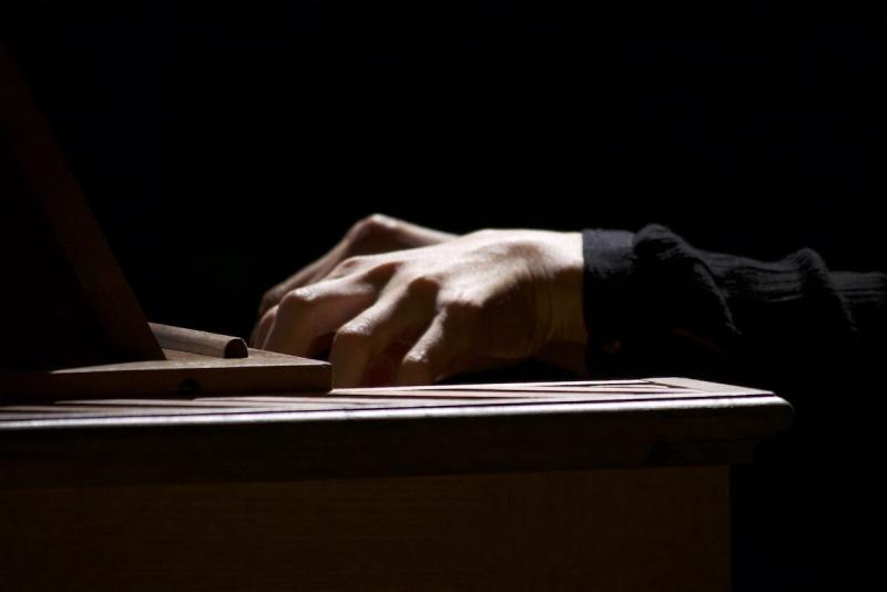 Hands, organ, clavier