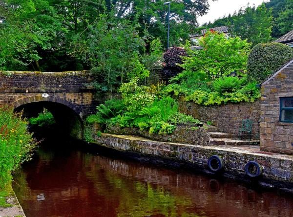 Uppermilll  canal