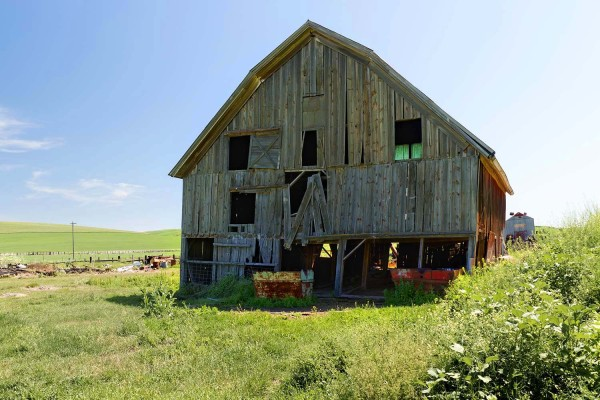 abandoned barn in Palouse