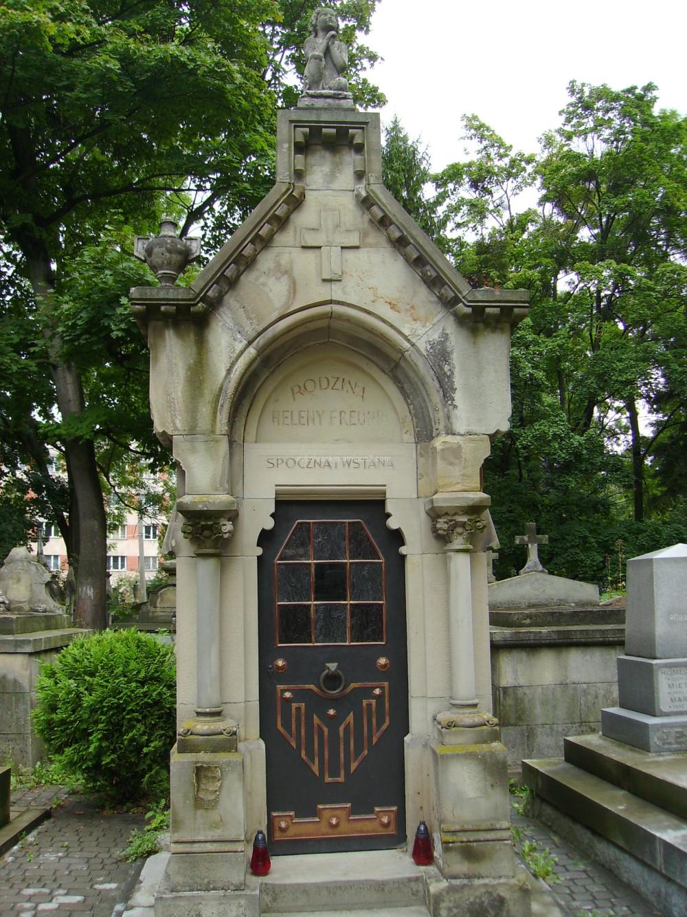 Old  tomb  in  Lviv
