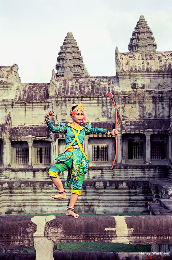 Angkor Wat Cambodia traditional dance girl