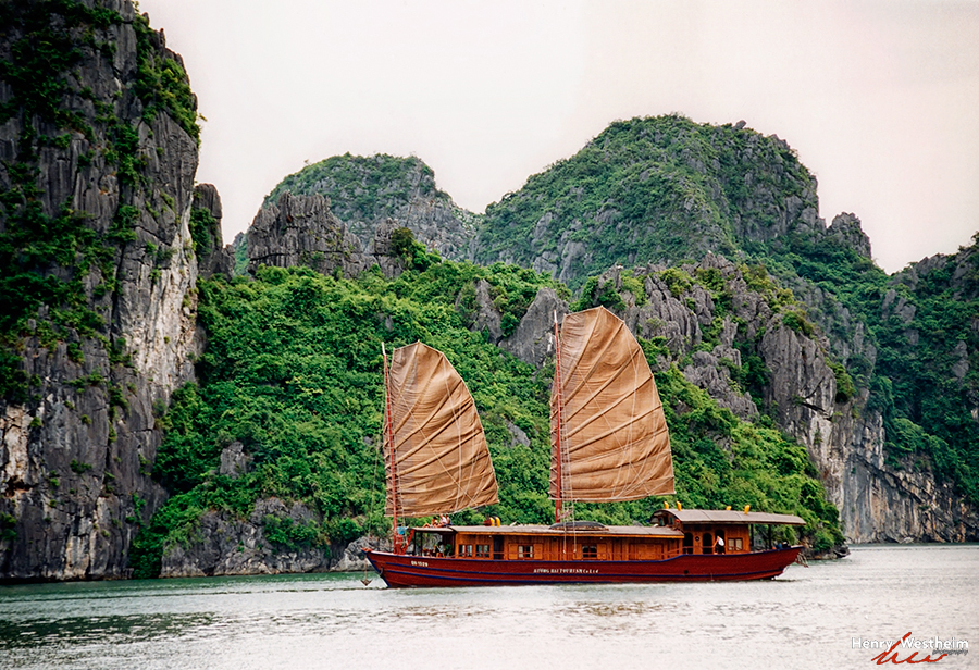 Vietnam, Halong Bay, Gulf of Tonkin