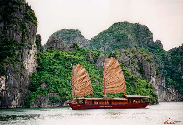 Vietnam, Halong Bay, Gulf of Tonkin