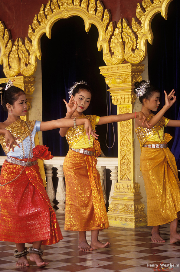 Cambodia, Phnom Penh, Khmer dance performance