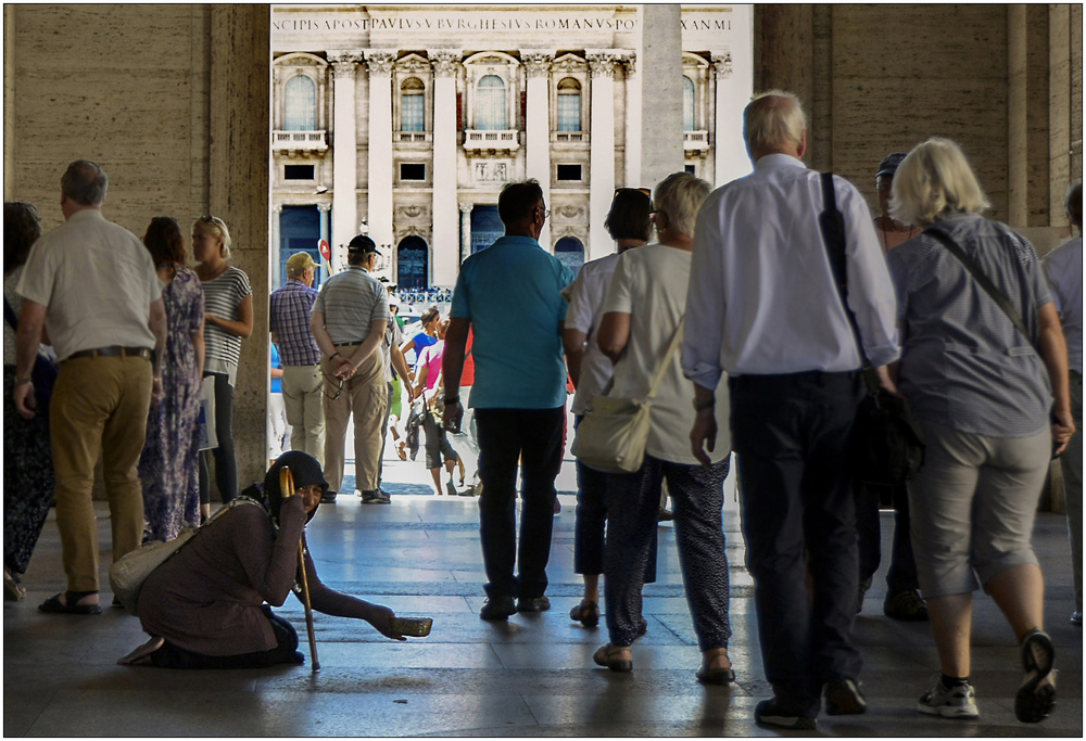 Vatican: waiting for money 1