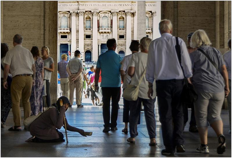 Vatican: waiting for money 1