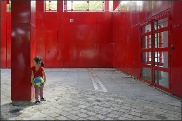 Cache-cache en rouge