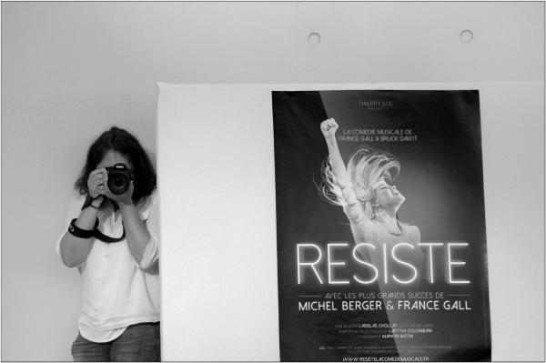 Resist !!!!