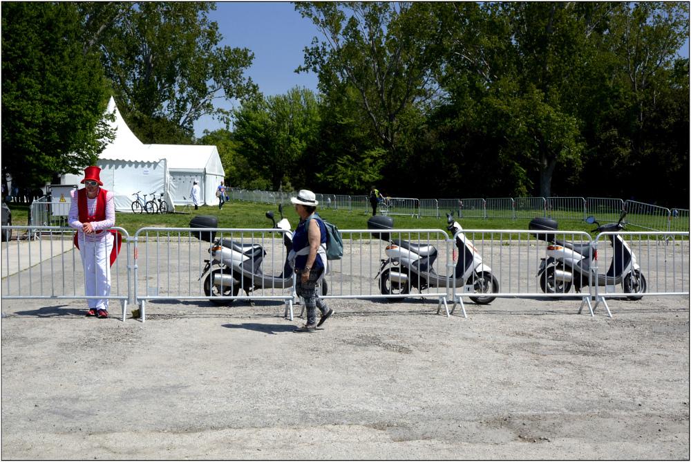 Le gardien des trois scooters