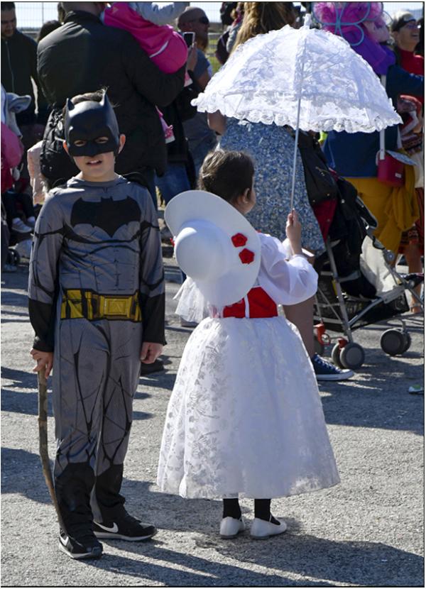 Batman vs Scarlett