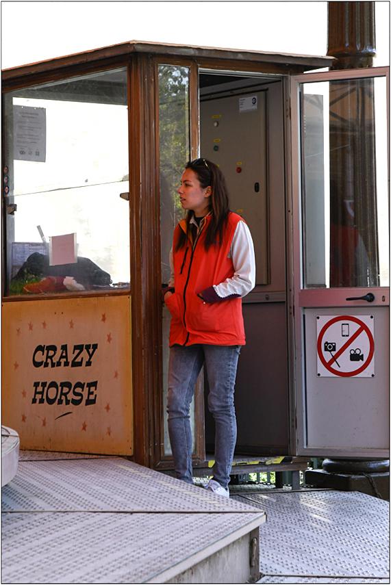 """""""Crazy-Girl"""" en coulisses"""