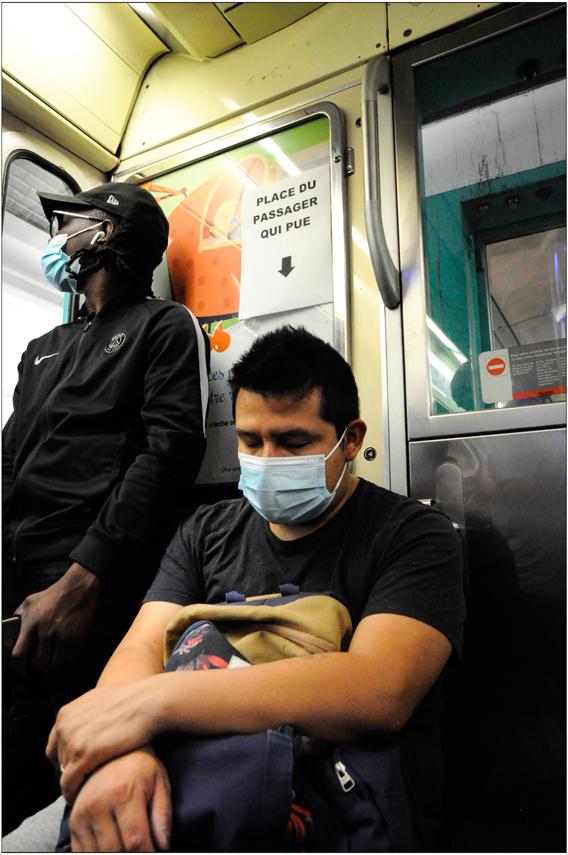 Masque anti-odeurs...