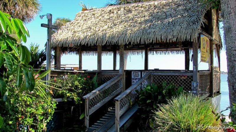 Tiki bar at Pineda Inn Bar & Grill