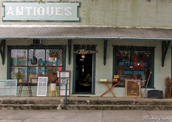 Betty's Antique Collectables