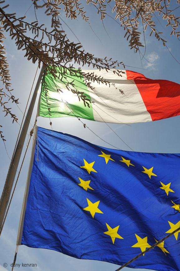 Italy and Europe flags at Monterosso