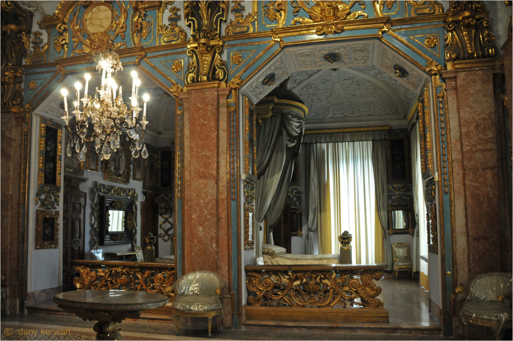 Queen's room in Isola Bella Palace