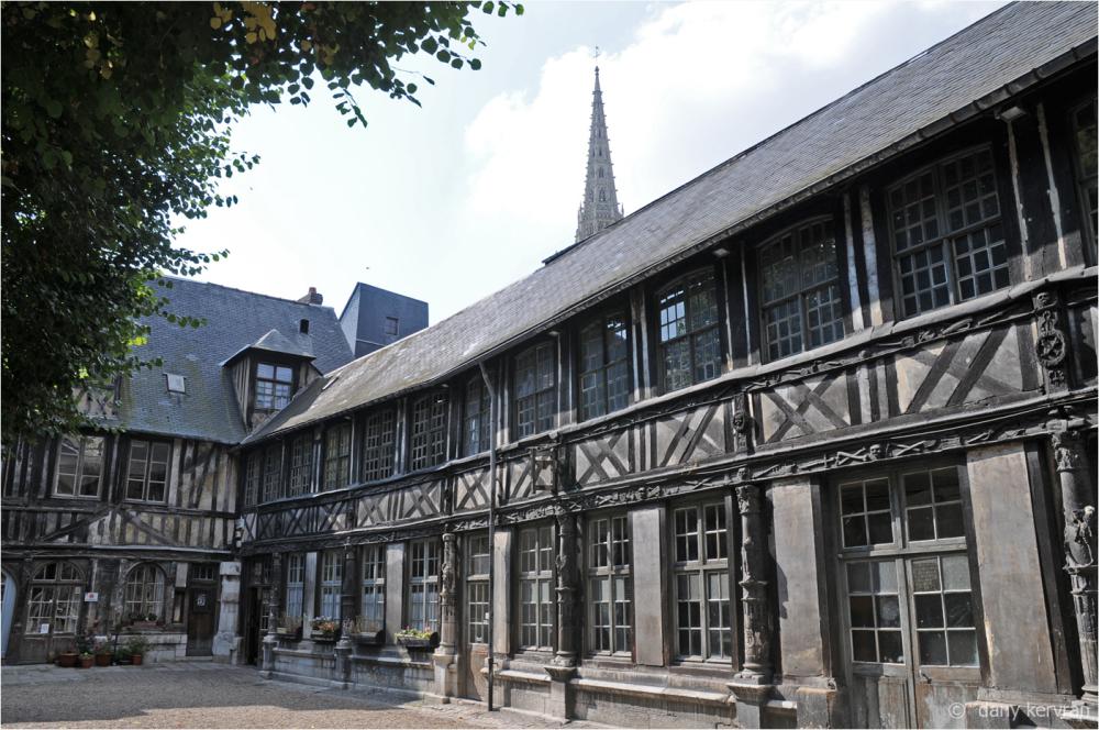 Rouen : aître Saint-Maclou