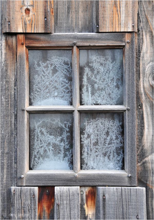 Frosten window in Morillon (Haute-Savoie)