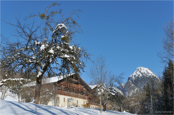 ancient houses in Samoëns (Haute-Savoie)