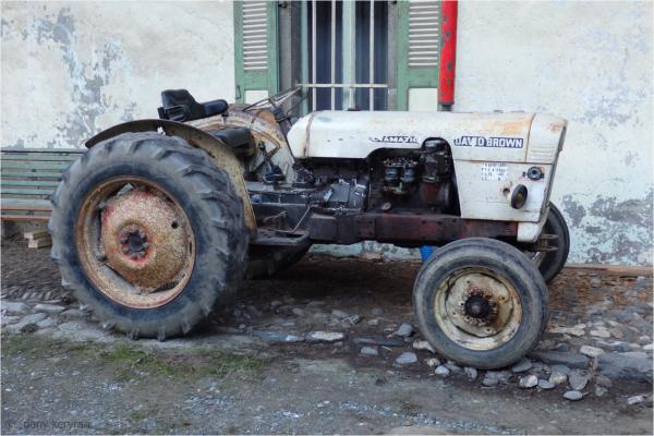 old tractor seen in Samoëns (Haute-Savoie)