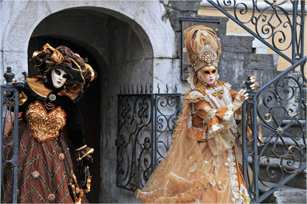 two masked personages, Venetian carnival