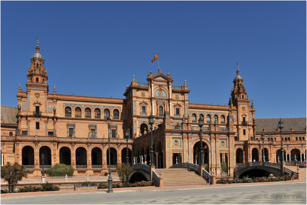 the Palace of the Spain Square