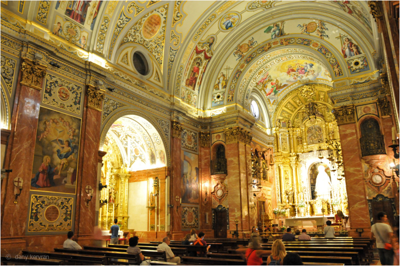 the inside of the basilica of the Macarena