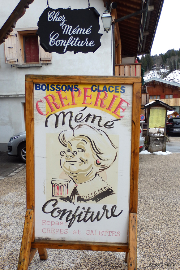advertising for a creperie