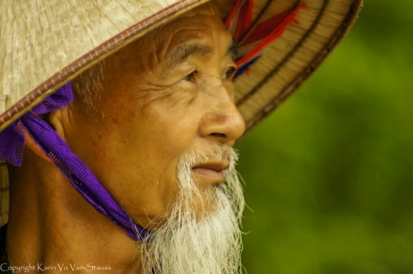 Chapeau conique, portrait, Vietnam