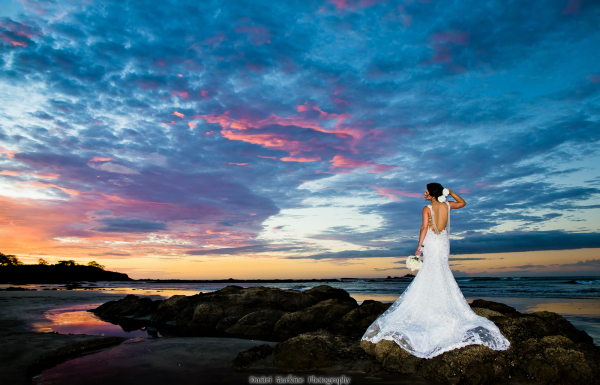 Destination wedding photographer in Costa Rica