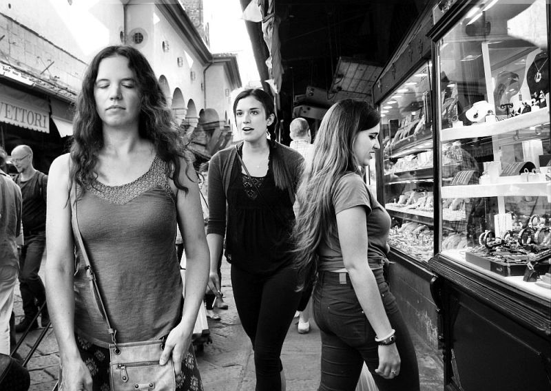 Young women on Ponte Vecchio