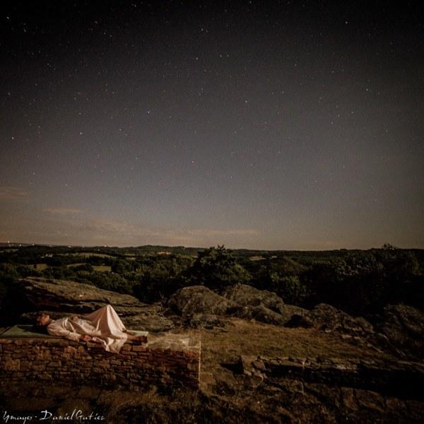 Gwen sous les étoiles