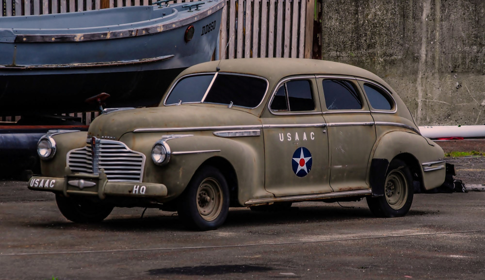 WW2  Army Staff Car