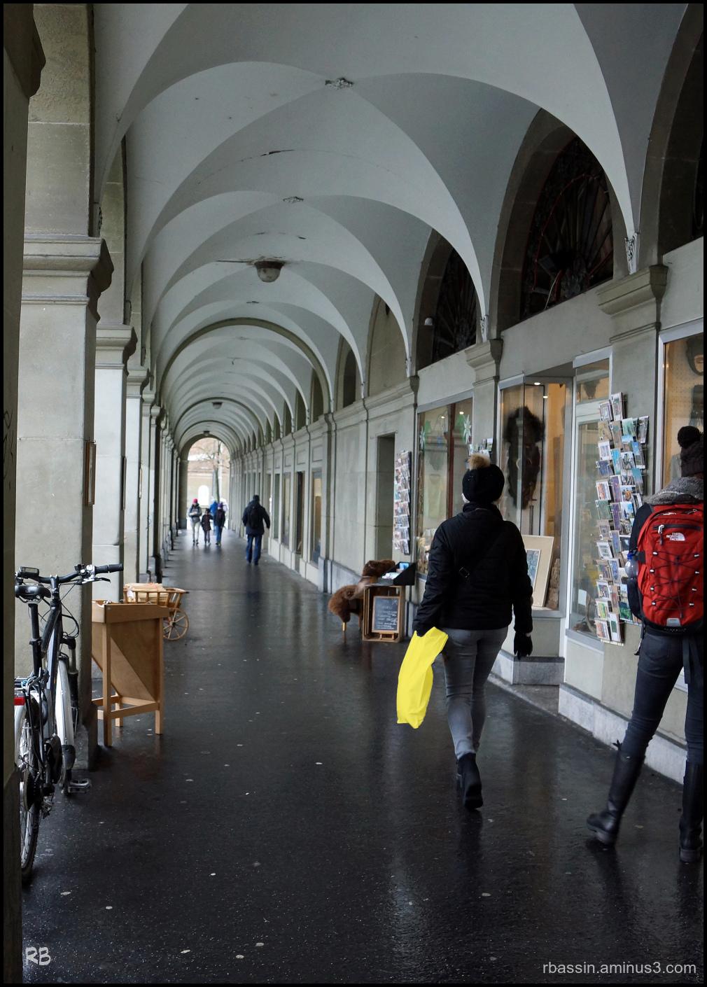 flânerie sous les arcades