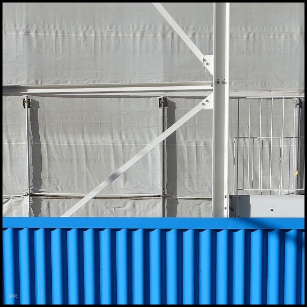 carré blanc bleu
