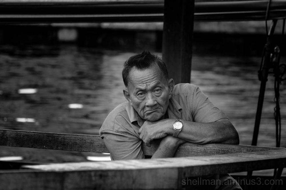 Killing time at the Phrakhanong Pier