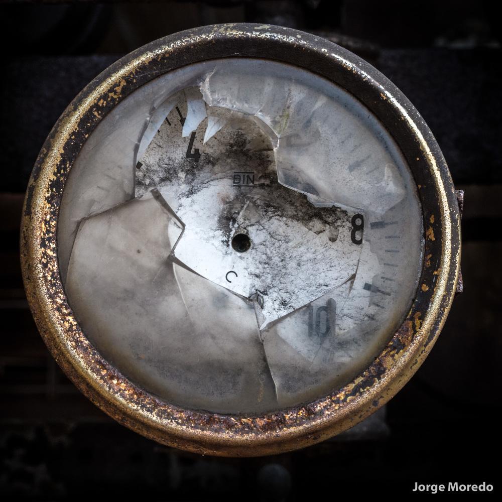 Broken glass of manometer