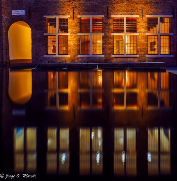 Deventer night urban reflection