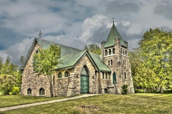 Church. Ontario. (1)
