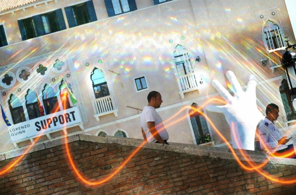 La lumière est un support en soi même...