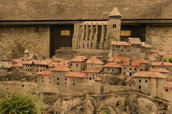 Un village à reconstruire en dehors de l'atelier