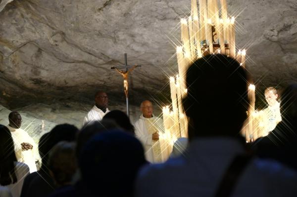 Prier ensemble cette lumière divine...