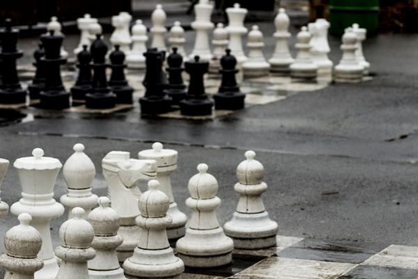 ajedrez en los jardines des bastions (GINEBRA)