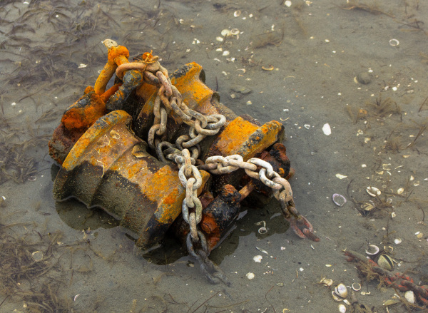 Old Beach Mooring & Chains