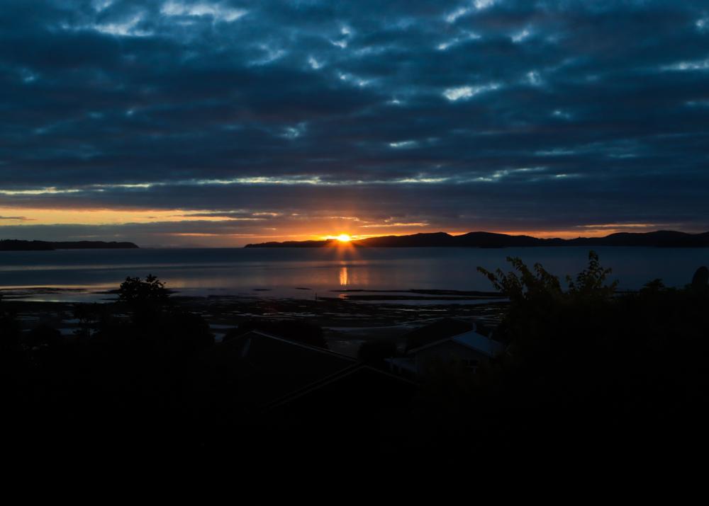 Sunrise 900