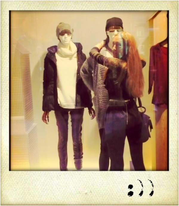 mannequins in the shopwindow - casual street