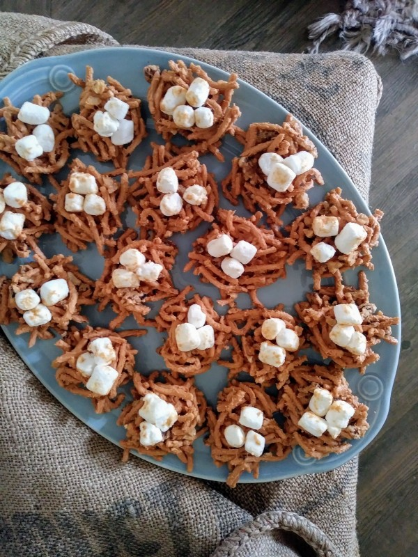 birds nest haystacks with marshmallow eggs