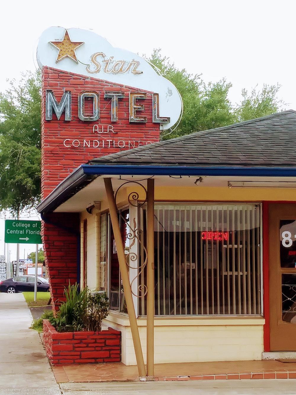 Star Motel I