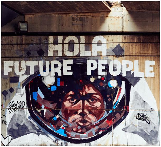 hola future people