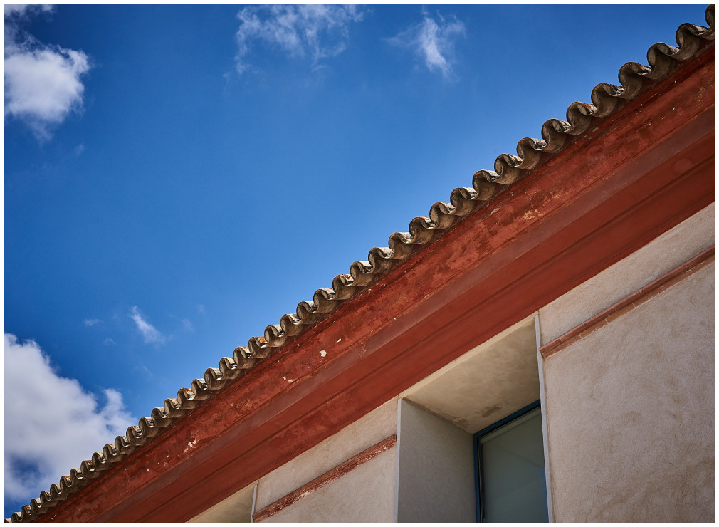 roof/sky